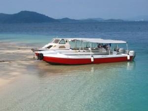 Speedboat Gaya