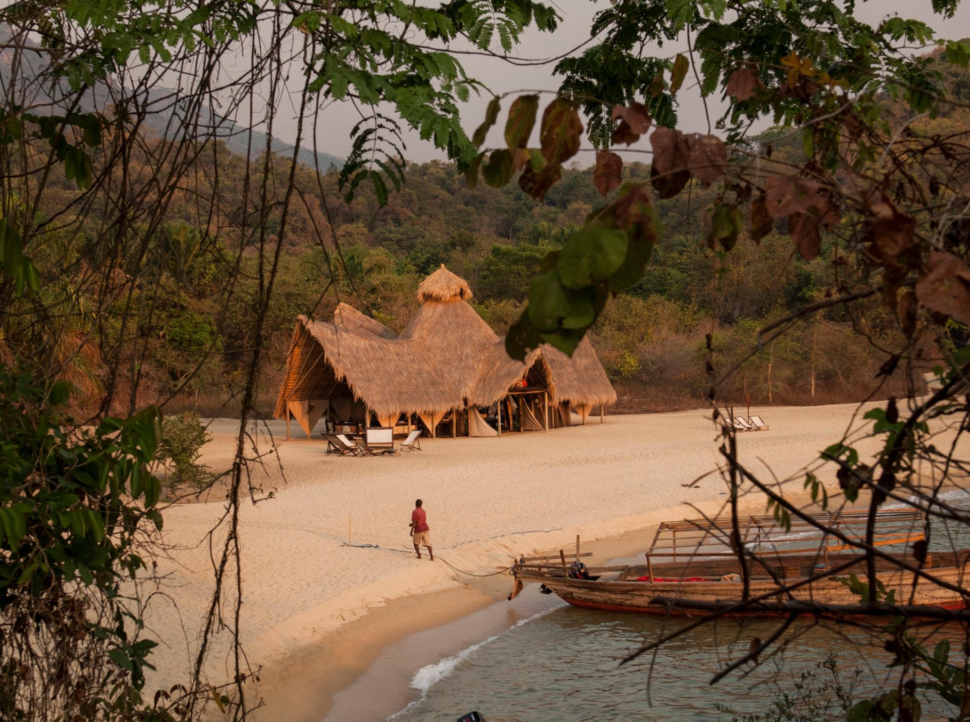 greystoke-mahale-beach-front wifi free family holiday