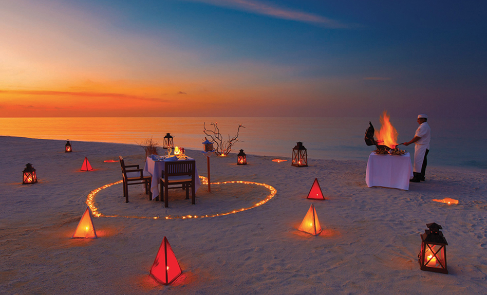 private-sunset-beach-dinner valentines day experience
