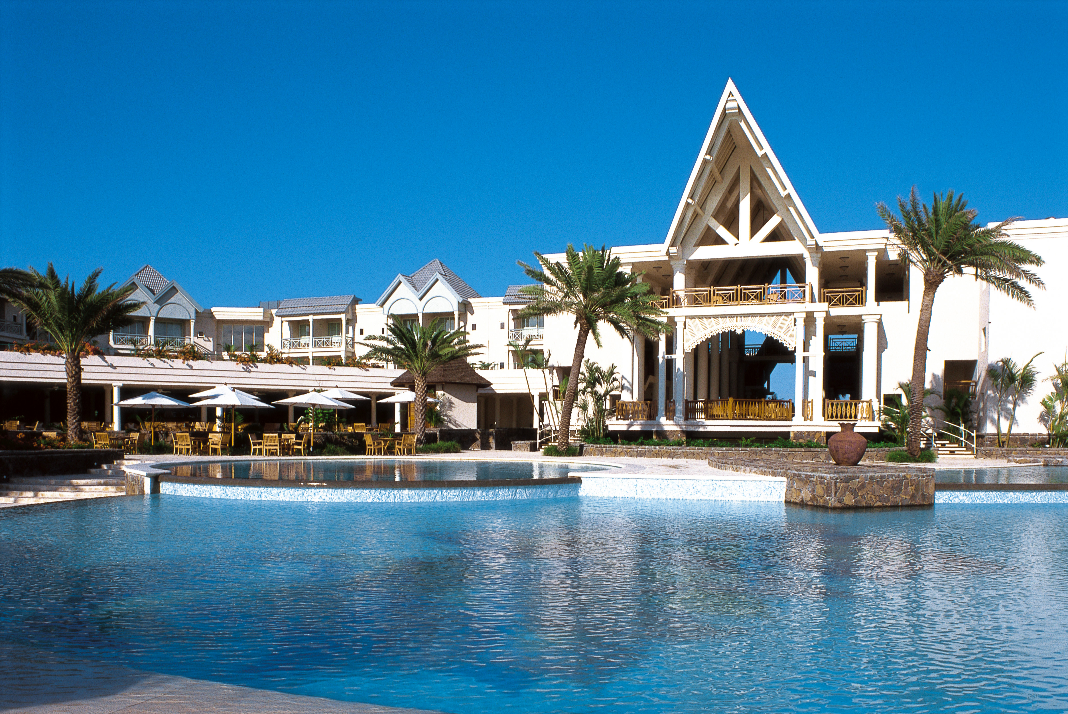 See how karen got on in mauritius when she stayed at the Luxury holiday cottages uk swimming pool