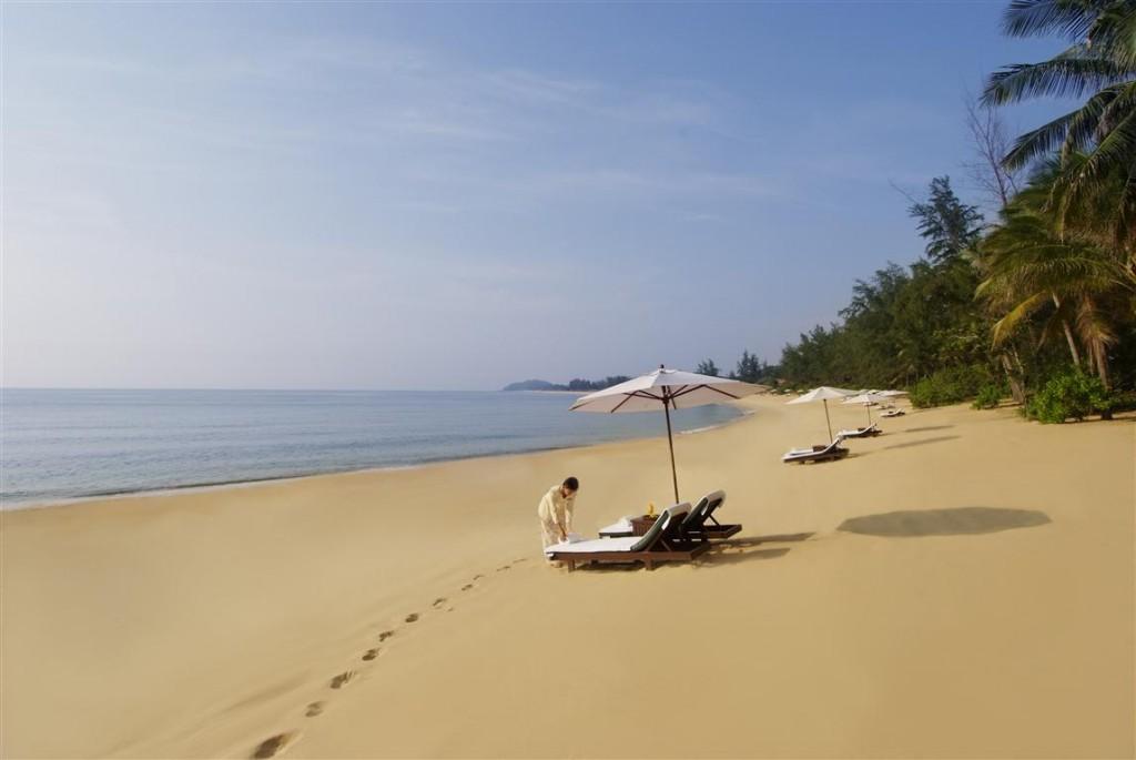 TANJONG JARA BEACH 3 (Medium)