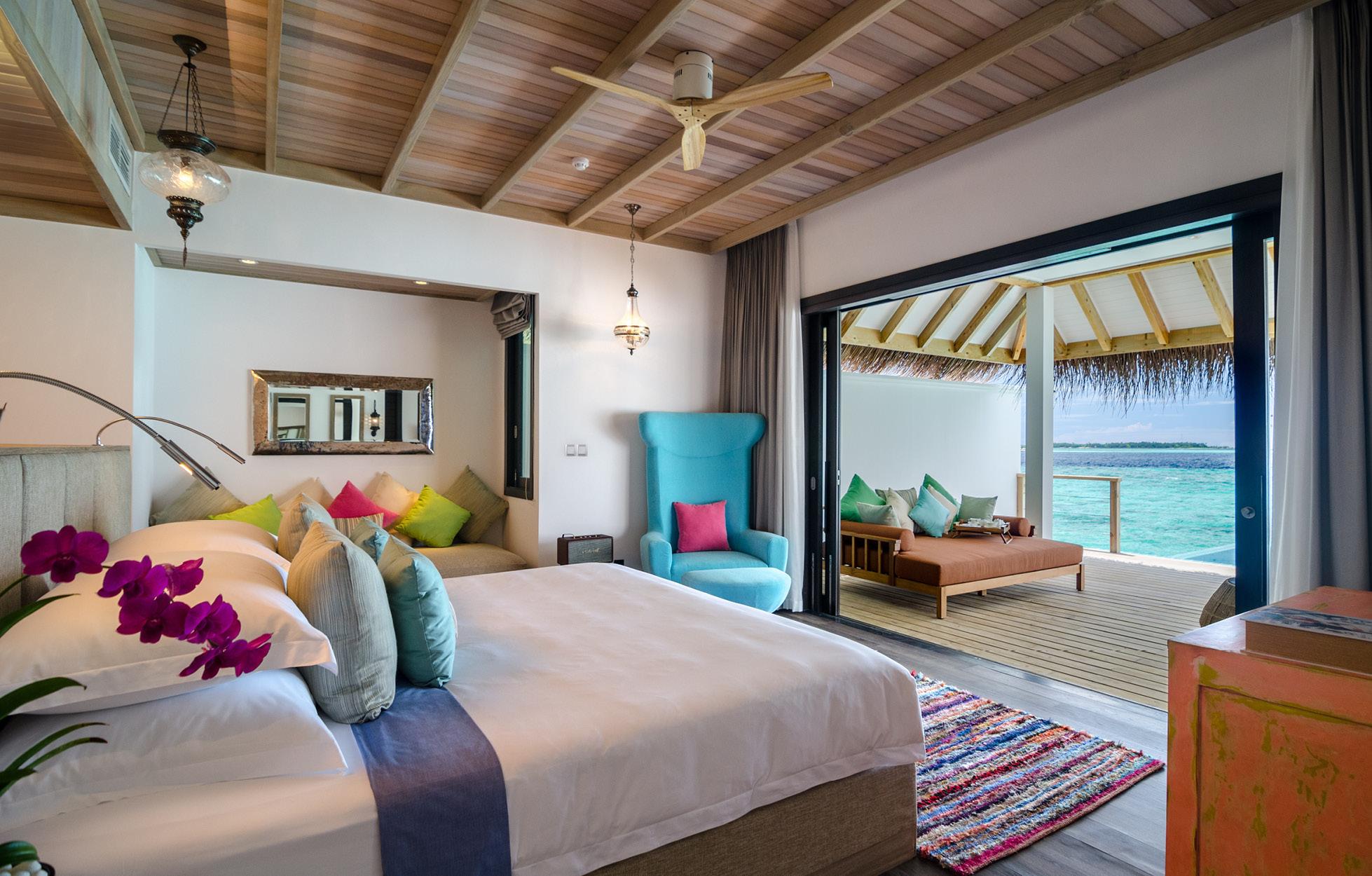 finolhu ocean villa with pool room