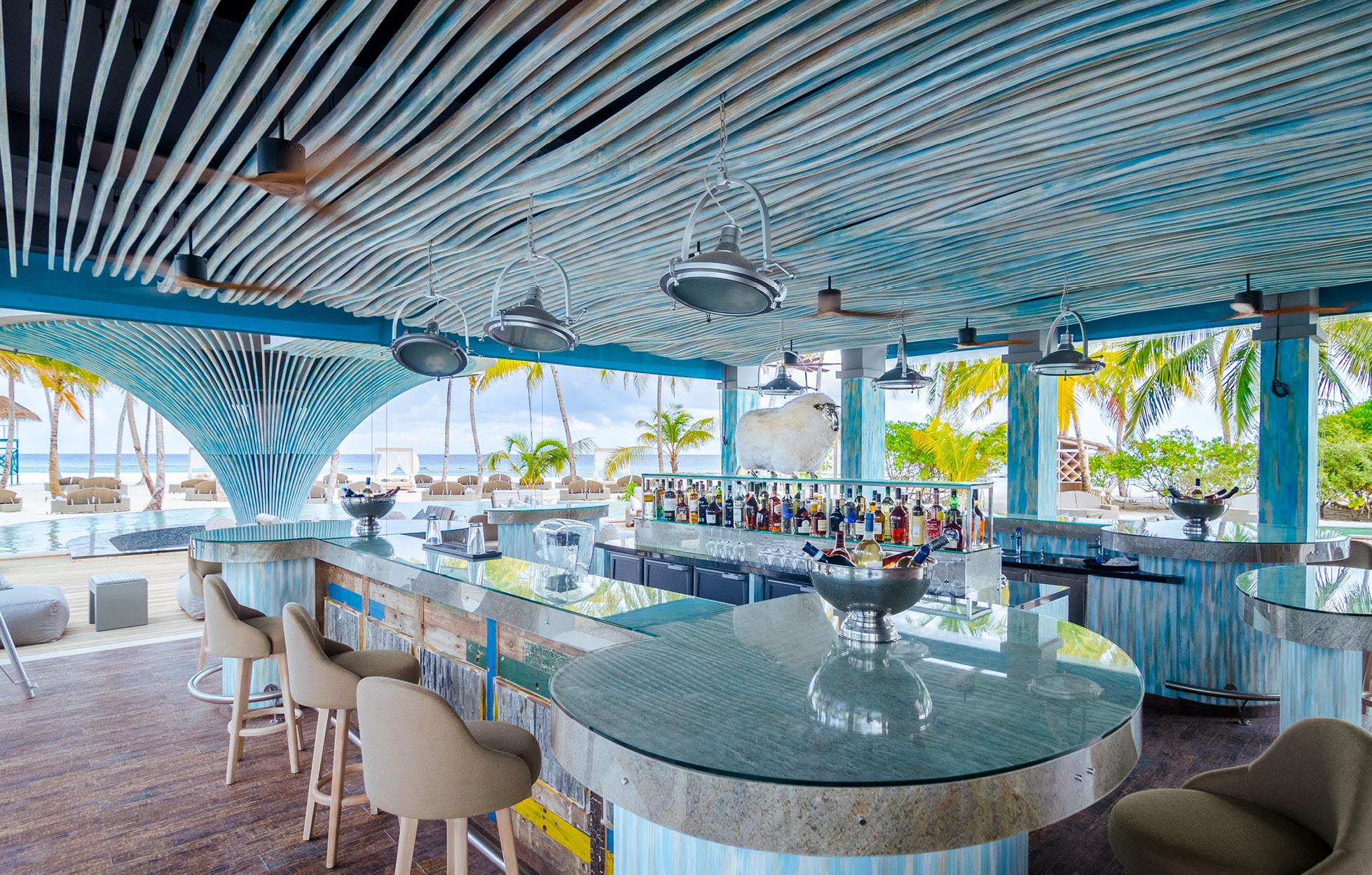 baa bar finolhu maldives
