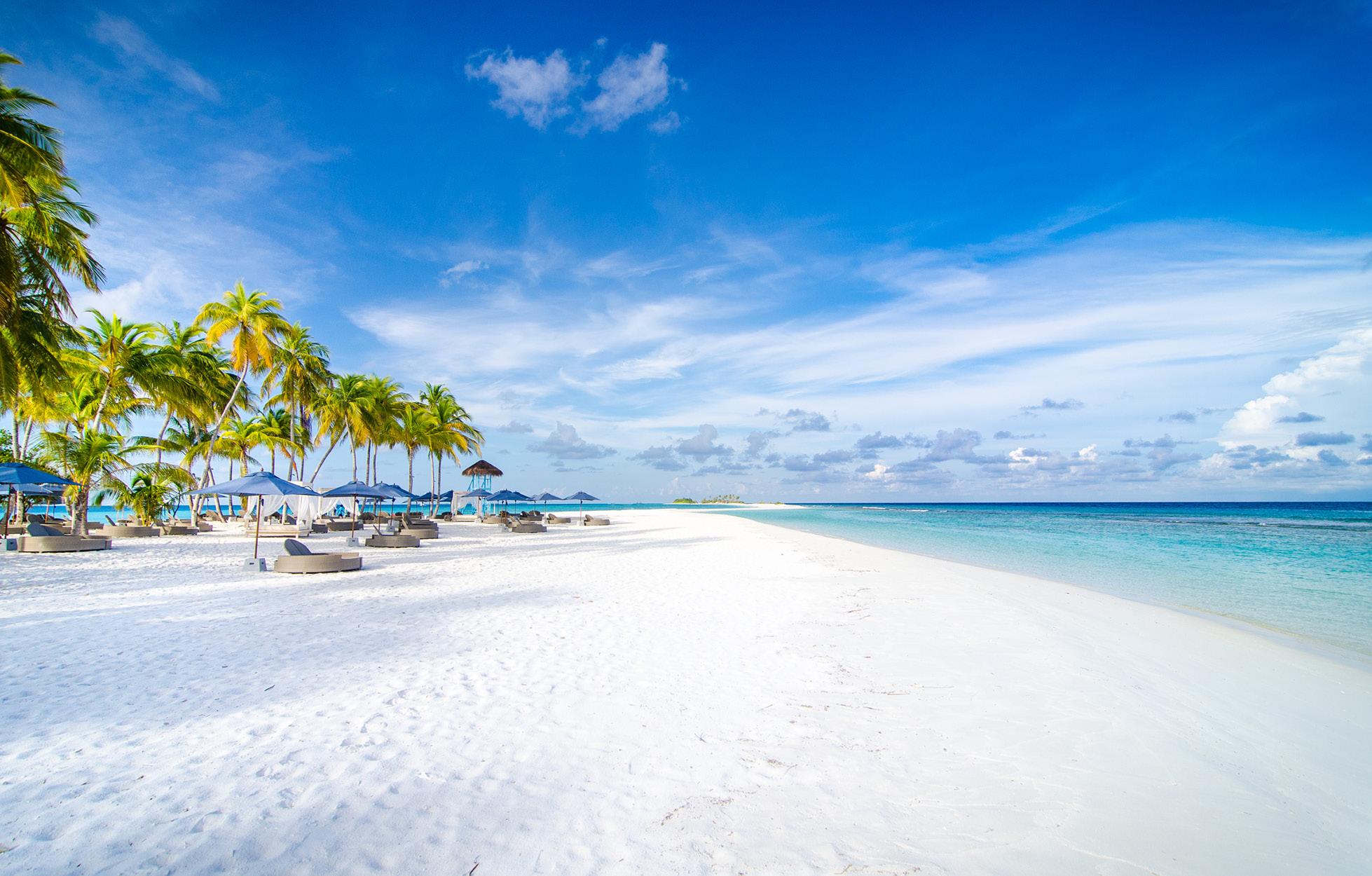 finolhu-beach-water-sports-maldives