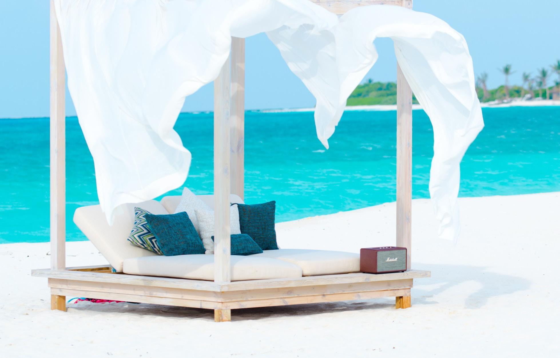 finolhu-maldives-beach-chill
